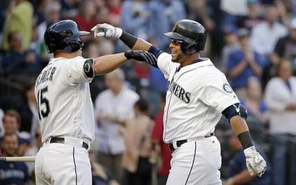 Cano's 3-run homer rallies Mariners over Red Sox
