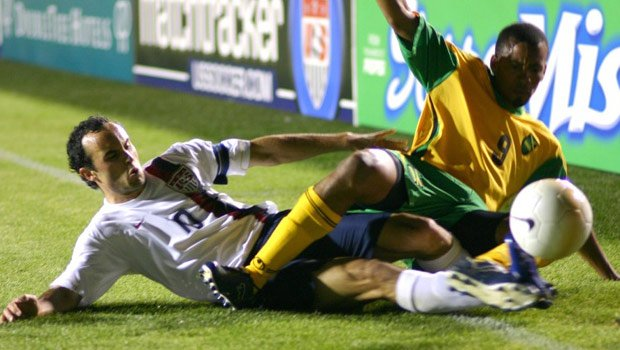 Landon Donovan (left) hopes to lead the Americans to the next round of the World Cup in South Africa  (Photo: File)