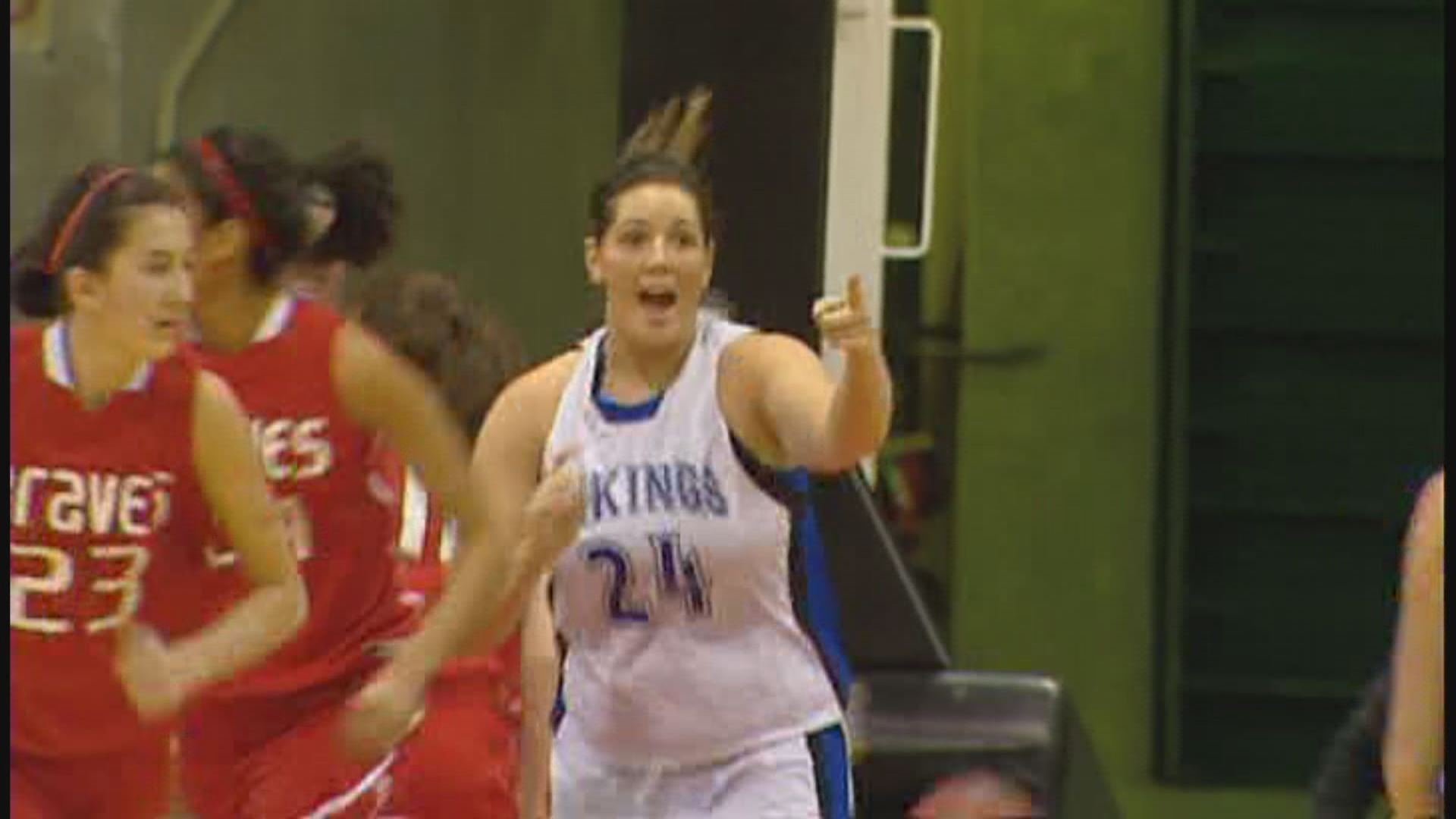 © Carli Rosenthal said Monday she would play college basketball at Saint Mary's of the West Coast Conference next year (Photo: SWX)