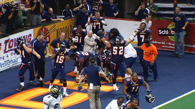 Randy Hymes caught the winning 34-yard touchdown pass from Kyle Rowley to beat San Jose 63-61 (Photo: SWX)