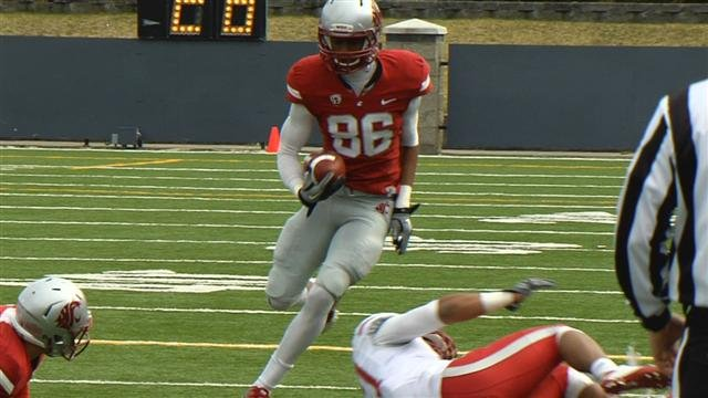 Washington State has a healthy supply of receivers to go with an experienced quarterback this year. (Photo: SWX)