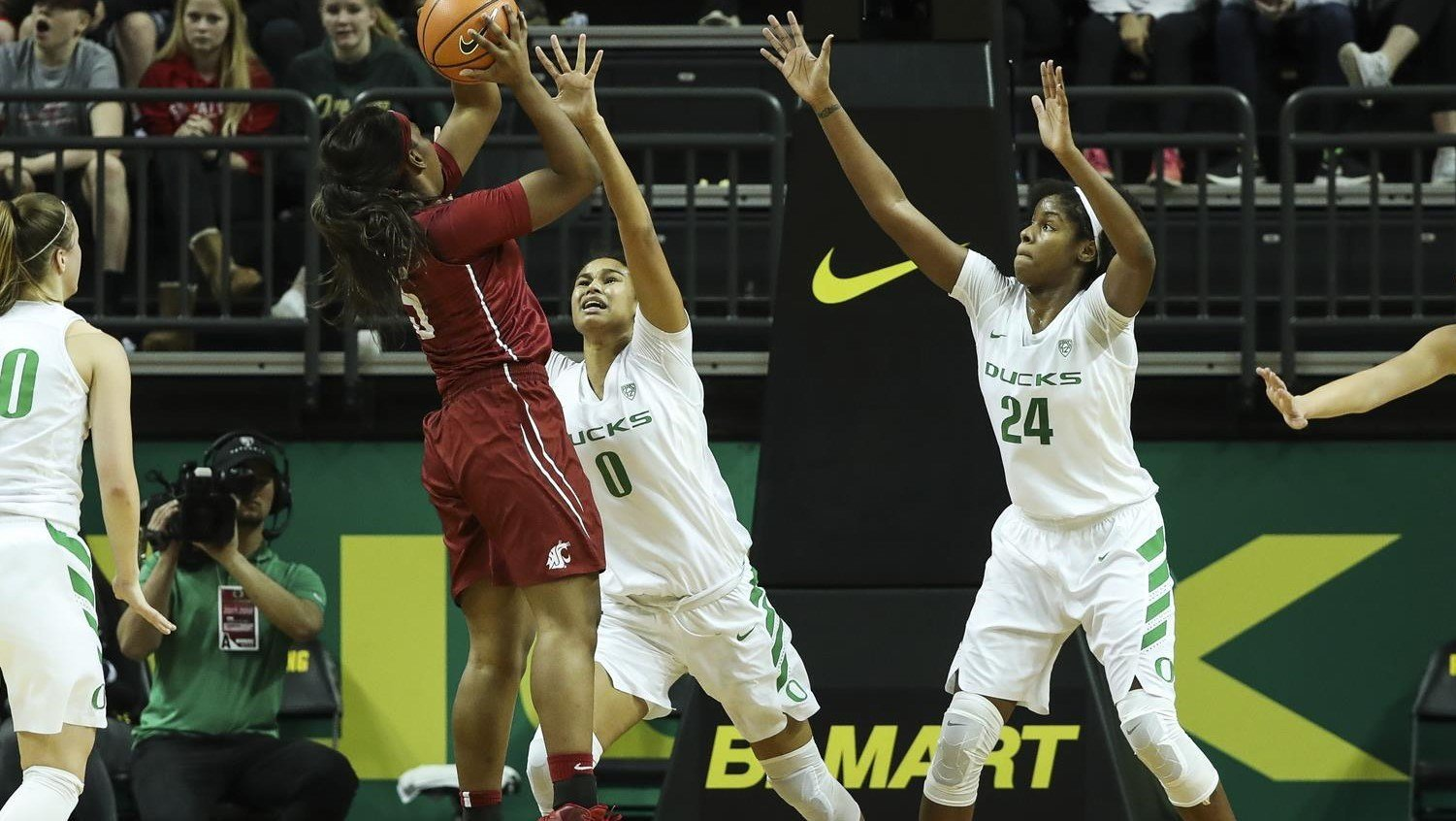 Oregon Ducks Battle But Come Up Short Against Utah Utes