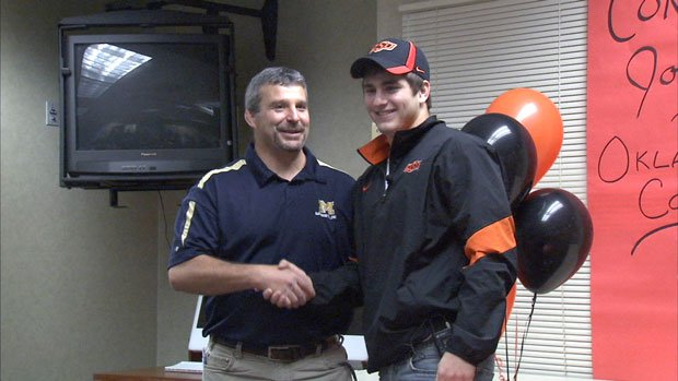 Jordan Rogers signed a Letter of Intent to wrestle at Oklahoma State University (Photo: SWX)