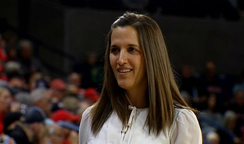 Lisa Fortier Wins WCC Coach of the Year