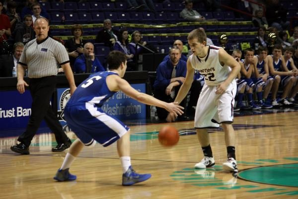 Derek Isaak set a record for most points scored in a State 1B tournament game (44) and led Almira-Coulee/Hartline to a state championship this spring (Photo: SWX)