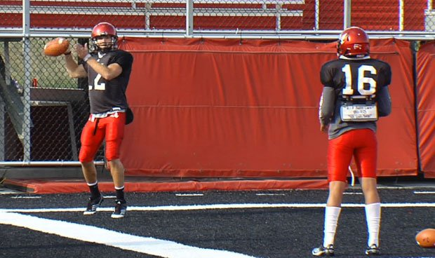 © Anthony Vitto (left) and Vernon Adams (right) have one last shot to earn the starting job on Saturday (Photo: SWX)