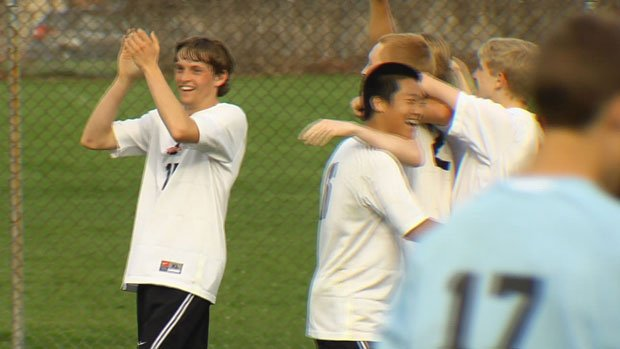 Lewis & Clark beat Central Valley in overtime to improve to 5-3 in league play (Photo: SWX)
