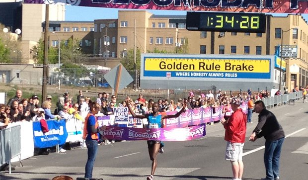 Allan Kiprono finished Bloomsday with a time of 34:28 and walked away with $7,000 (Photo: SWX)