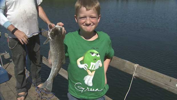 Fish Lake offers fun for the whole family, whether it's fishing on the lake or playing on the playground (Photo: SWX)