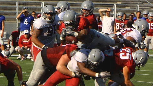  The Cougar defense gets a total makeover this season, with Coach Leach moving to the 3-4 scheme. (Photo: SWX)