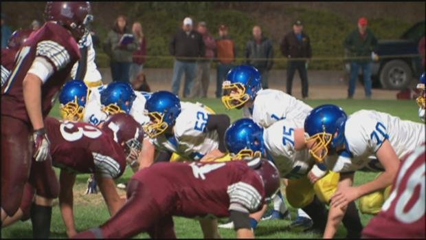 © Colfax fell 19-14 to Reardan in a chilly game full of fumbles. (Photo: SWX)