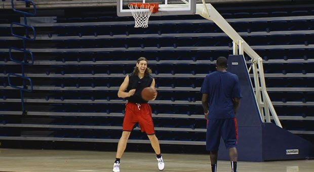 © Kelly Olynyk and the Zags are a perfect 6-0 to start the season this year (Photo: SWX)