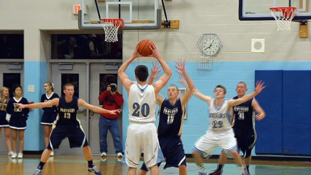 Austin Rehkow had 21 points in Central Valley's win over Mead on Tuesday (Photo: SWX)