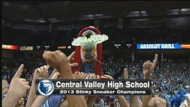 Central Valley won both basketball games AND the Stinky Sneaker spirit award (Photo: SWX)