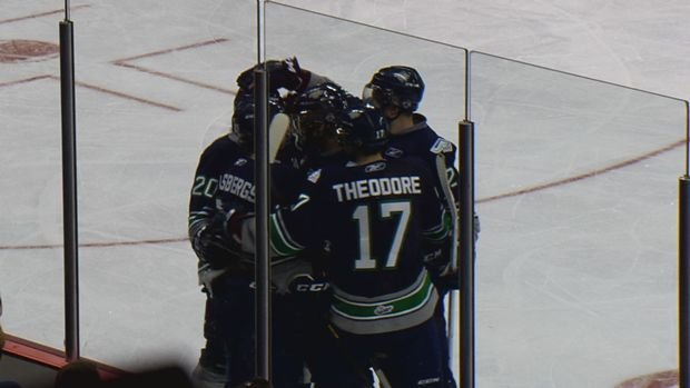The Thunderbirds scored four straight goals in a 4-2 win over the Chiefs.