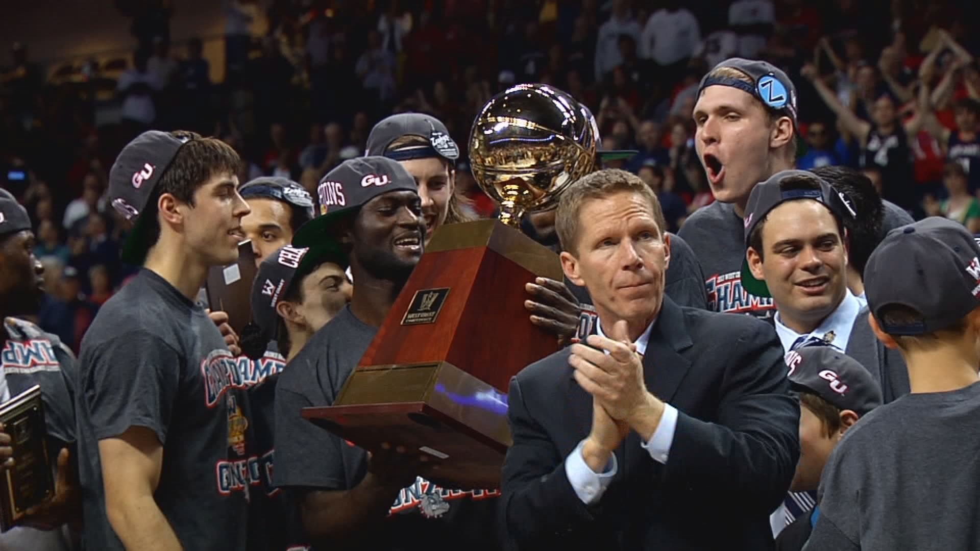Gonzaga celebrates its WCC tournament title.