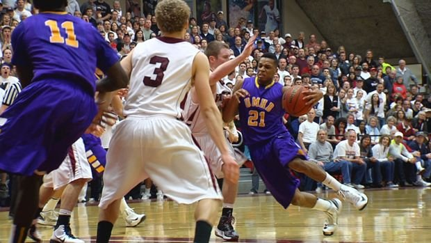 The Crusaders pulled away late for the upset win at Whitworth.