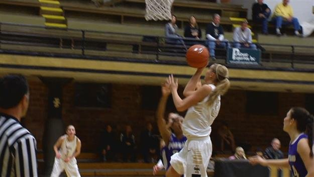 Alyssa Charlston and the Idaho Vandals women defeated Chicago State to advance to the WAC Tournament Semifinals.