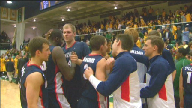 The Gonzaga men's basketball team celebrates after defeating San Francisco on Saturday night.