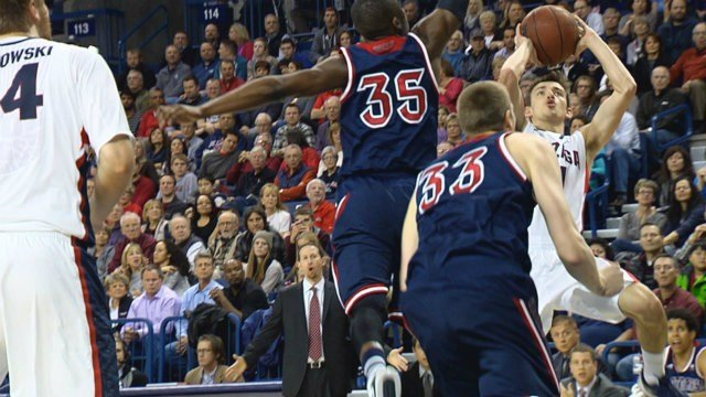 David Stockton finished with 18 points, 5 assists and four rebounds to lead Gonzaga past the Waves on Thursday.