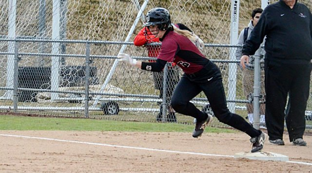 Whitworth came up short in its doubleheader with Linfield.