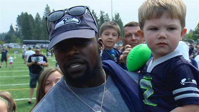 Robert Turbin got up close and personal with the fans as they came out for the Seahawks Play 60 visit to Spokane.