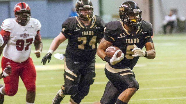 Elijhaa Penny scored from 4 yards out with 1:02 left to lift Idaho to a 38-31 victory over Texas State. (Photo: Idaho)