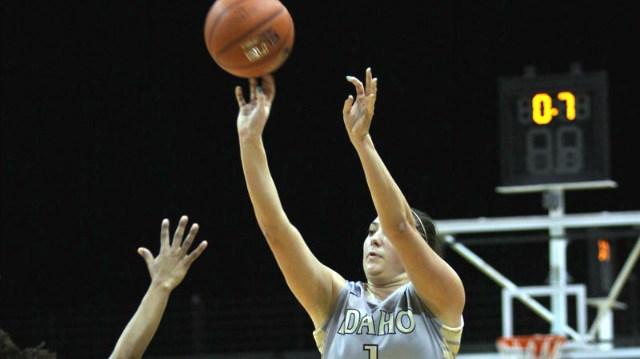 Idaho won easily in the season opener, beating UCSB 64-42.