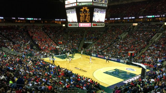 The Gonzaga faithful migrated to the KeyArena en mass for the 12th annual Battle in Seattle in 2014. (Photo: Patrick Erickson)
