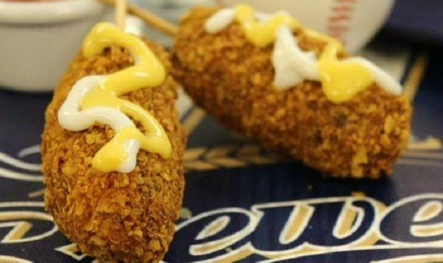 The Milwaukee Brewers are serving up nachos on a stick at Miller Park. (Photo: Twitter/Brewers)