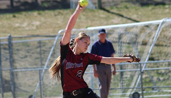 Whitworth took the Saturday doubleheader to close within one game of its first-ever NWC title. (Photo: Whitworth)