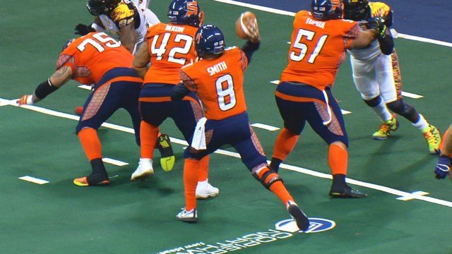 Warren Smith led the Shock with eight total touchdowns to beat Las Vegas.