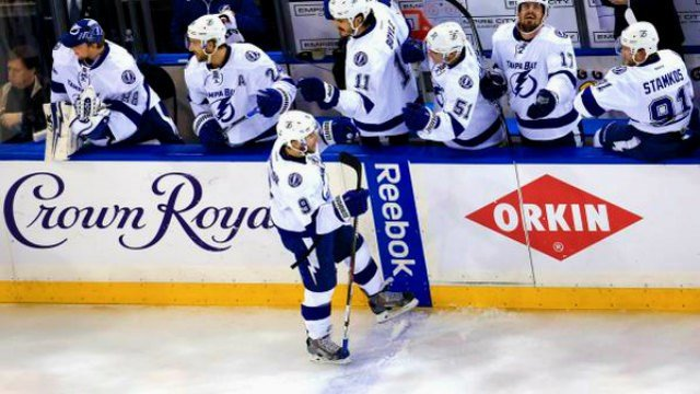 Tyler Johnson has gone by the Lightning bench doing a lot of hand-slapping this postseason. (Photo: NBCSN)