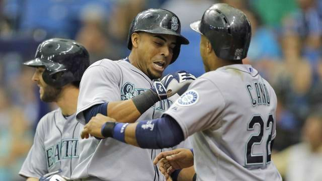 Nelson Cruz homered for the fifth straight game on Tuesday. (Photo: Mariners)