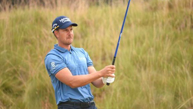 Henrik Stenson sits atop the leaderboard after shooting five under on day one. (Photo: USOpen/Twitter)