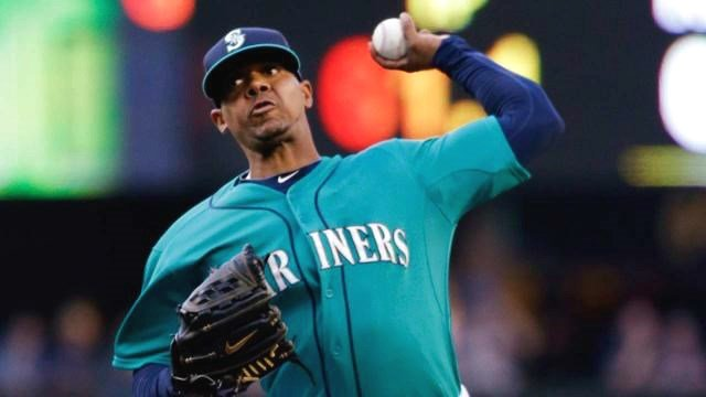 Roenis Elias settled in to pitch the Mariners to a 5-2 win on Friday night. (Photo: Mariners)