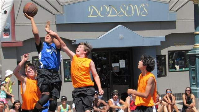 Players have had to beat the heat during the hottest Spokane Hoopfest weekend ever.