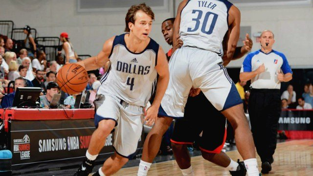 Kevin Pangos with the Dallas Mavericks' summer league team. (Photo: Mavericks)