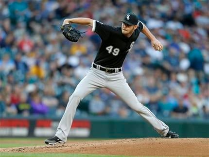 The White Sox drop the Mariners 11-4 on Friday.  (AP Photo/John Froschauer)