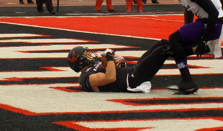 The fifth-ranked Eastern Washington University football team remained unbeaten in the Big Sky Conference with a 14-13 victory over Weber State Saturday.
