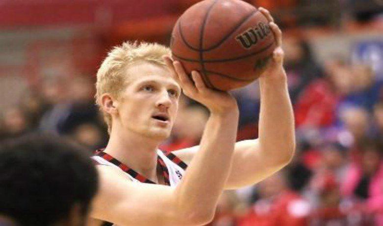 EWU moves to 3-2 with win over Pacific.