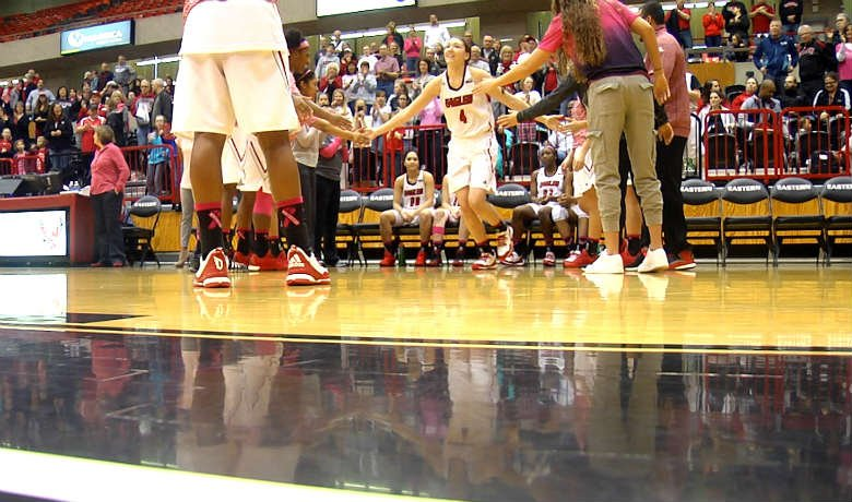 Delaney Hodgins scored 19 points on 7-of-15 shooting, while grabbing six rebounds.