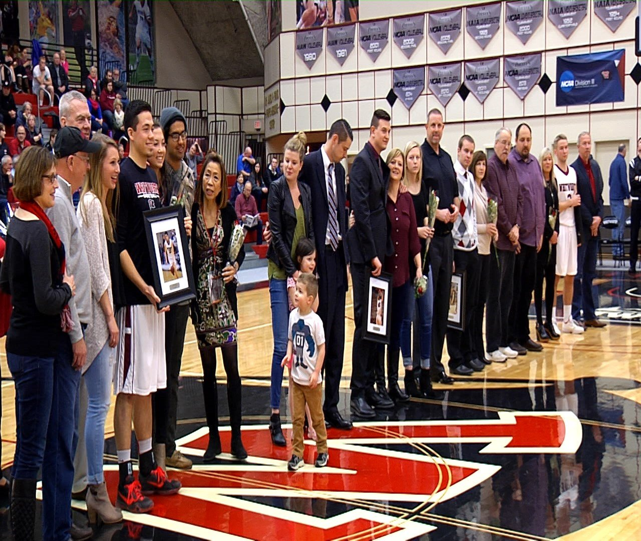 George Valle scored 20 points to lead the Pirates on Senior Night.