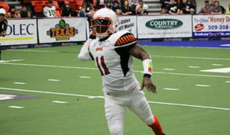 Dowdell completed 12 of 20 passes for 160 yards and 6 TDs.