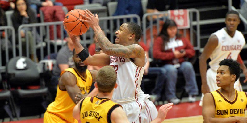 ue Johnson led the Cougars (9-19, 1-15) with 19 points before fouling out midway through the second half.